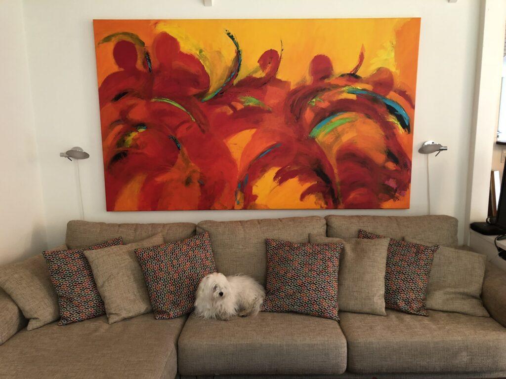 Stort rødt maleri til stuen