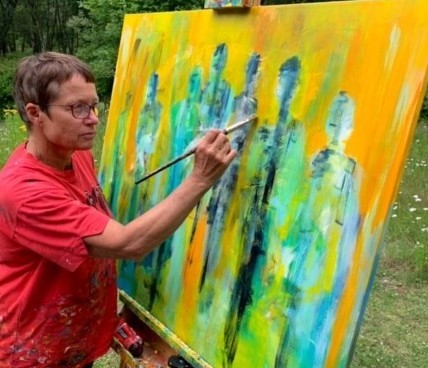 Kunstner har flyttet værkstedet ud i naturen