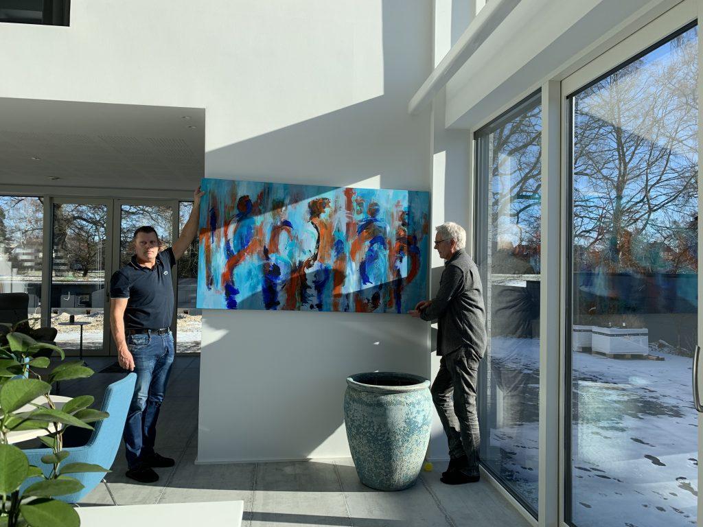 Galleri Weppler tager gerne et udvalg af malerier med, så du kan se dem i eget hjem